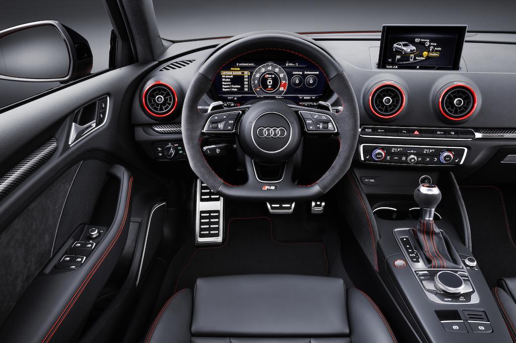 Audi RS3 berline tableau de bord