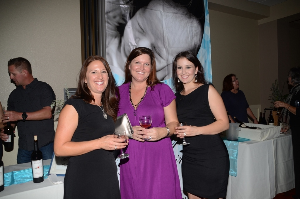 Guests come together to raise money in support of Friends of NICU.