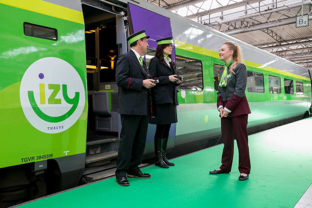 The IZY-services are provided by 100% Thalys staff, in customized uniforms.