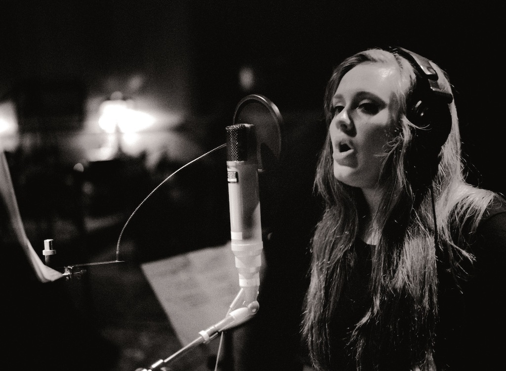 Adele - (c) - Sony Music Archives