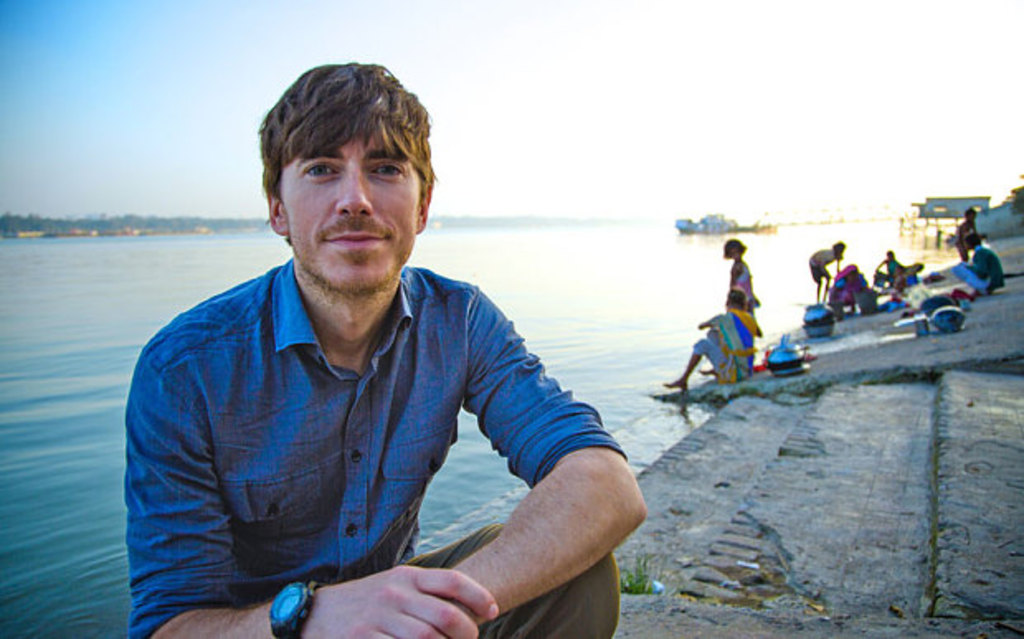 Simon Reeve's Sacred Rivers - De Ganges - (c) BBC