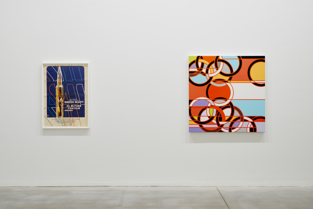 From left to right: Sarah Morris. El Ultimo Testigo [The Parallax View] (2013) & 1976 [Rings] (2008) (c) Dirk Pauwels