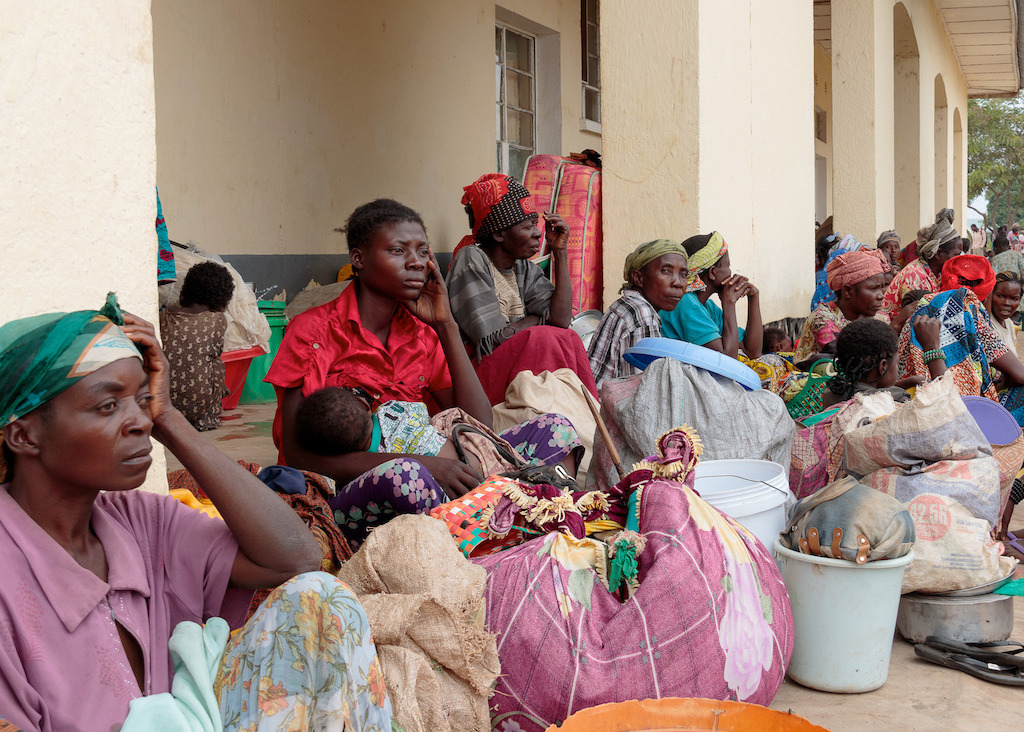 The internally displaced people living around Kalémie have limited access to healthcare and safe drinking water. They face shortages of food, and proper shelter is one of their main concerns. Longer-term solutions to address these issues need to be found. Photographer: Stéphane Reynier de Montlaux/MSF