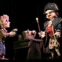 Oliver and Bumble (Photo Credit: Simpich Marionettes)
