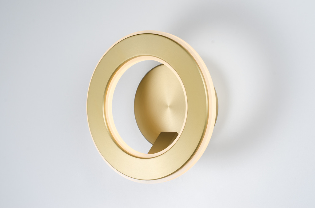 Karice<br/>Electron Wall Sconce in gold