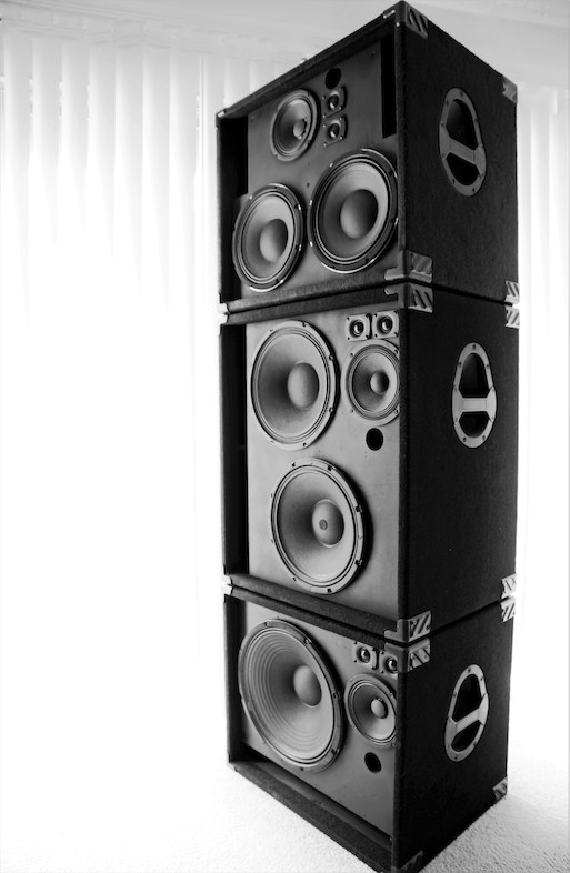 powersoft oem at the heart of accugroove powered bass and guitar cabinets guitar girl magazine. Black Bedroom Furniture Sets. Home Design Ideas