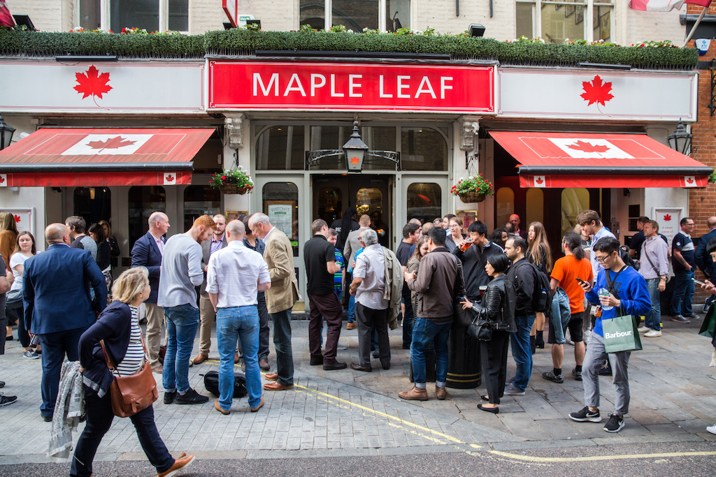 Le Maple Leaf Sports Bar and Grill à Londres. Crédit: Jim Ross/LCF