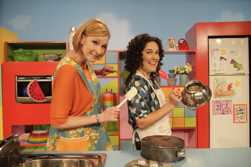 Leigh Sales & Annabel Crabb in the kitchen at Play School, Play School Celebrity Covers
