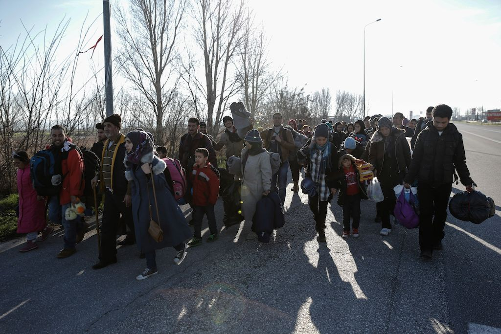Konstantinos Tsakalidis/SOOC.  Refugees and migrants walk from the gas station of Polykastro towards the transit camp in Idomeni. The authorities did not allow the departure of the buses until crowding at the transit camp in Idomeni had eased.