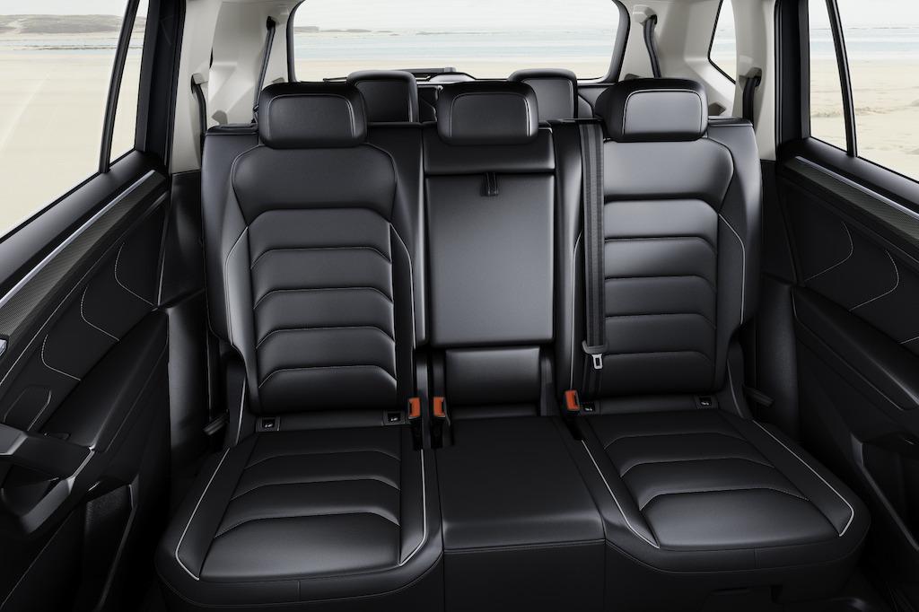 nieuwe tiguan allspace autobedrijf claessens volkswagen. Black Bedroom Furniture Sets. Home Design Ideas