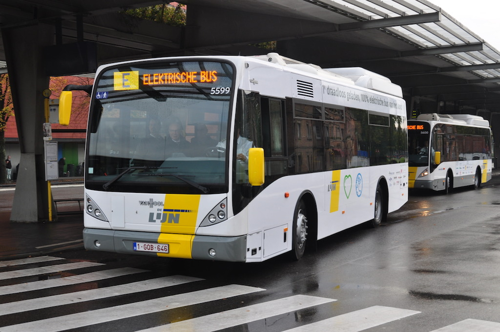 An inductively charged, fully electric bus at the 't Zand square in Bruges.
