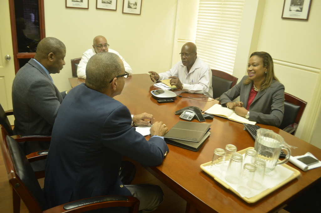 IICA and OECS Officials in dialogue