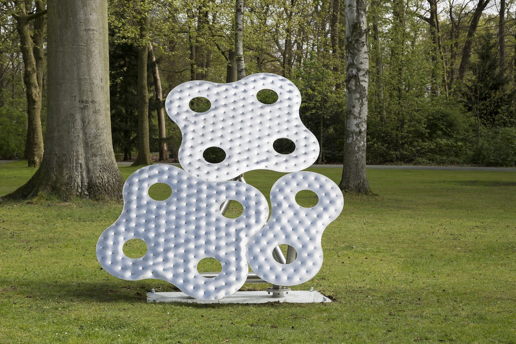 Richard Deacon, Infinity #13, 2001 - Copyright and courtesy of the artist - Foto: Werner J. Hannappel