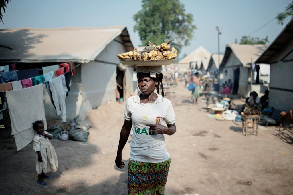 MSF159637<br/>General view of a displaced persons camp in Benzvi, Bangui.