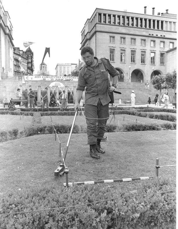 Brussels '97, public demining demonstration