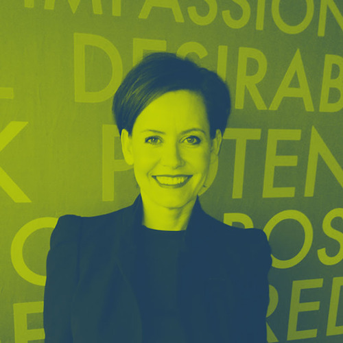 Interview: Increasing PR efficiency at Estée Lauder - Academy - Expert Interviews