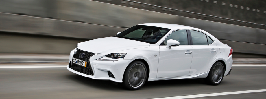 Lexus IS 300h awarded 'Best in Class' for safety by Euro NCAP